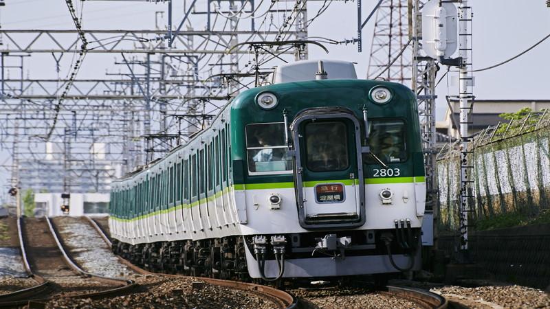 電車が動く仕組みとは?電力との関係を具体的に解説!
